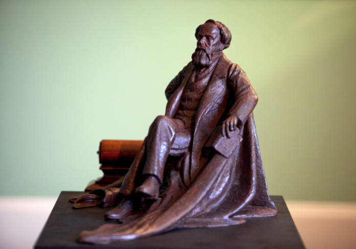 Charles Dickens' Statue in Portsmouth