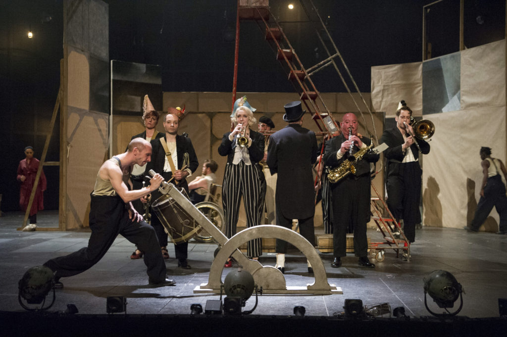 Production image courtesy of The National Theatre